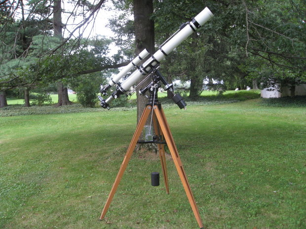 1964 Unitron 102mm f/15 Refractor with Weight Driven Equatorial mount (Model 160)
