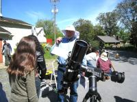 LVAAS Member Don Hines preparing some of the the students to look through the solar scopes.